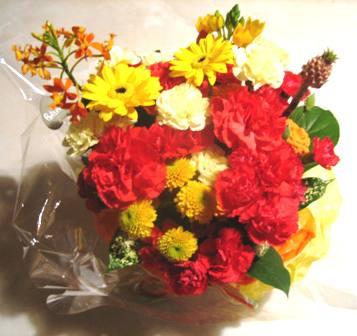 母の日の花真ん中に夕餉かな